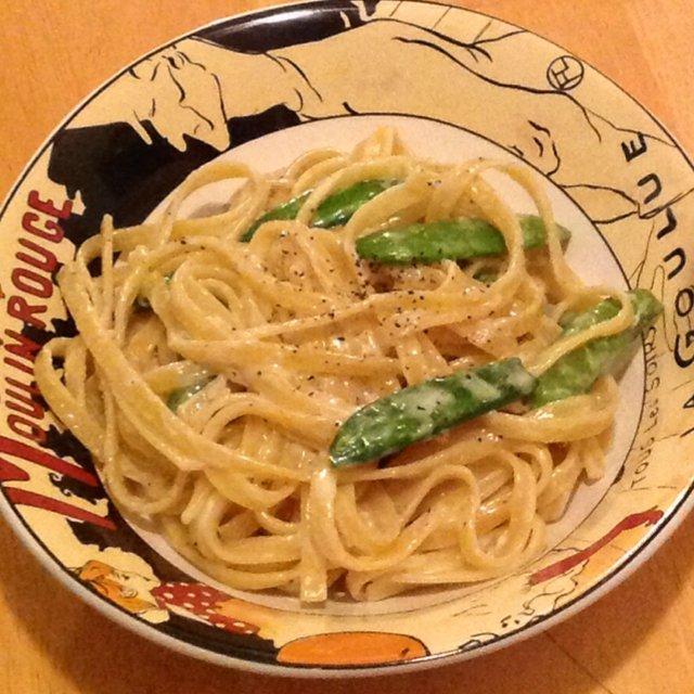 Fettuccine Alfredo & Snap Peas