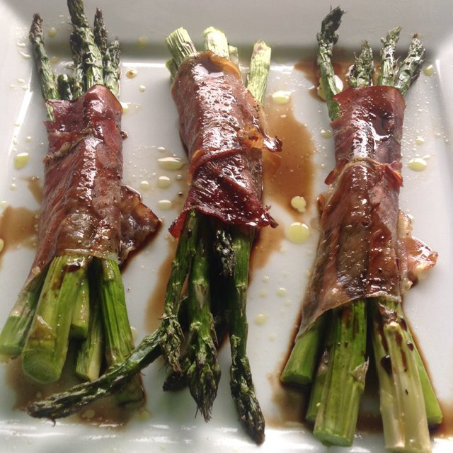Asparagus Wrapped in Prosc