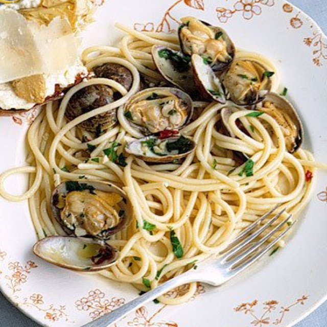 Spaghetti with Clams –created on the CHEF CHEF app for iOS