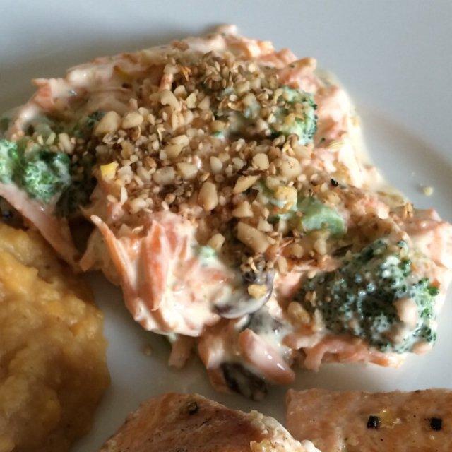 Broccoli-/gulerodssalat