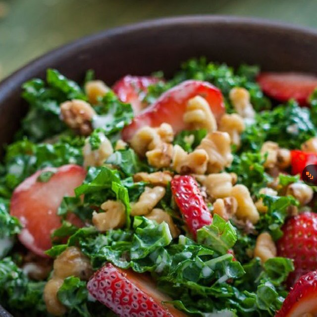Strawberry & Walnut Kale Salad – created on the CHEF CHEF app for iOS