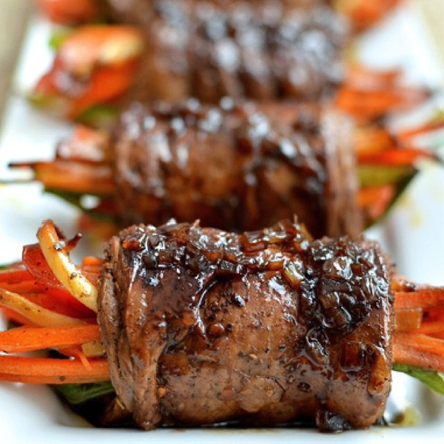 Balsamic Veggie Steak Rolls