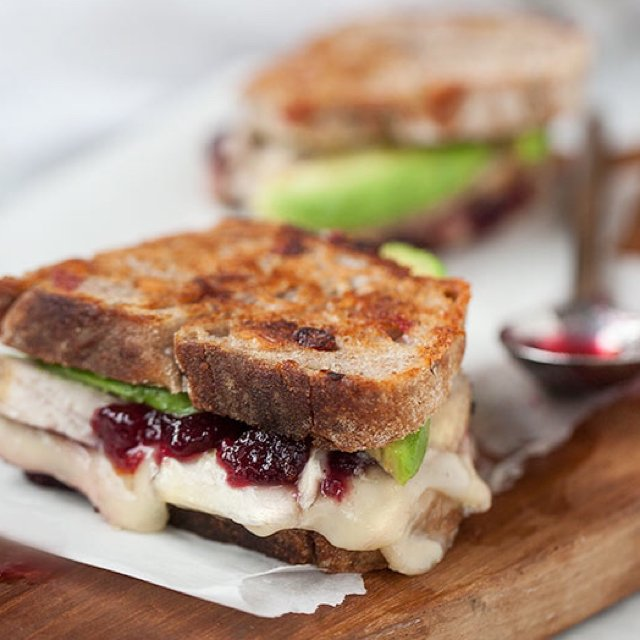 Grilled Che: Turkey & Brie