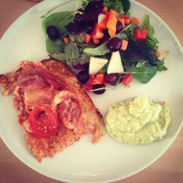 Blomkålspizza m. Salat