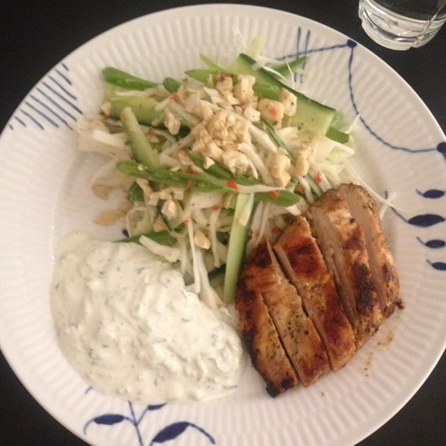 Spicy kål m. Kylling & tzatiki –created on the CHEF CHEF app for iOS