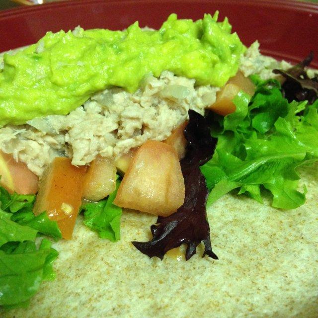 Healty Whole tuna Wrap 🍅 –created on the CHEF CHEF app for iOS
