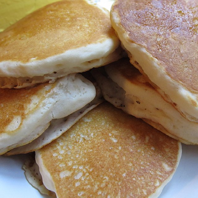 Easy Vegan Pancakes