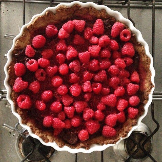 Tærte: mørk chokolade+hindbær –created on the CHEF CHEF app for iOS